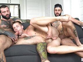 Markus Kage, Romeo Davis and Benjamin Titillating (UR)