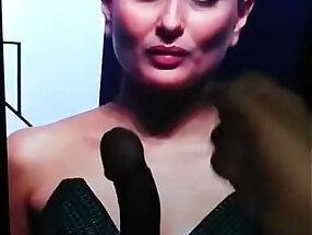 Kareena bhabhi cum tribute teaser on massive big screen
