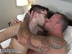 JOCKPUSSY - Hot muscle stud eats FTM pussy & toy-fucks him to orgasm