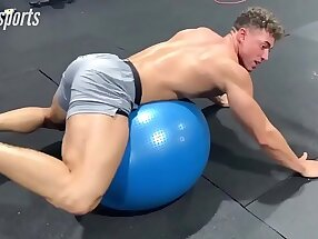 Straight sport mma wrestling man meat and sexy legs in compression lycra spandex spotted at the gym
